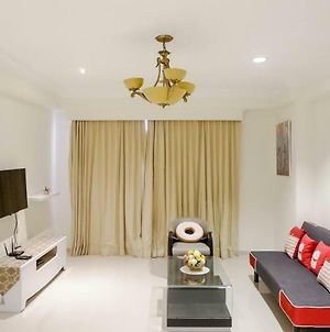Spacious High Floor 2Br At Taman Beverly Apartment By Travelio photos Exterior