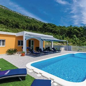 Three-Bedroom Holiday Home In Ston photos Exterior