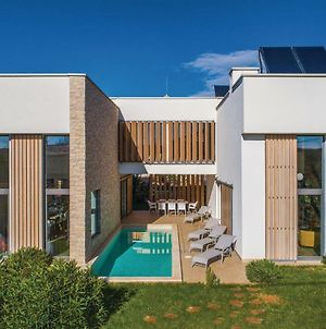Four Bedroom Holiday Home In Fiorini photos Exterior