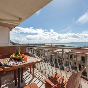 Two-Bedroom Apartment Makarska With Sea View 03 photos Exterior