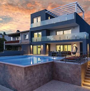 Four Bedroom Holiday Home In Pula photos Exterior