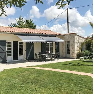 Three-Bedroom Holiday Home In St. Michel En L'Herm photos Exterior