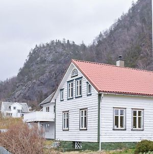 Three Bedroom Holiday Home In Erfjord photos Exterior