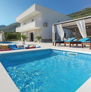 Four-Bedroom Holiday Home In Kastel Stari photos Exterior
