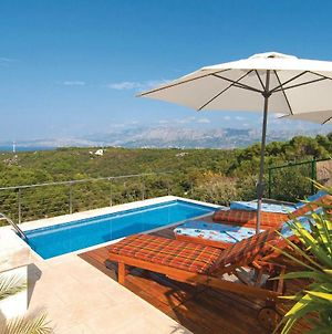 Holiday Home Pucisca 96 With Outdoor Swimmingpool photos Exterior