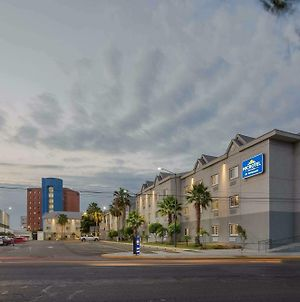 Microtel Inn & Suites By Wyndham Culiacan photos Exterior
