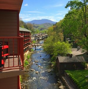 Baymont By Wyndham Gatlinburg On The River photos Exterior