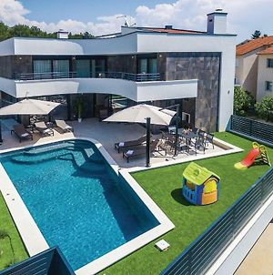 Two-Bedroom Holiday Home In Biograd photos Exterior