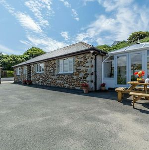 Beautiful Home In Mawgan Porth With Garden photos Exterior