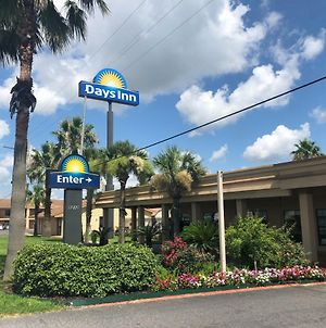 Days Inn By Wyndham Lake Charles photos Exterior