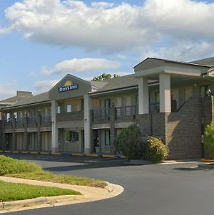 Days Inn By Wyndham Raleigh Glenwood-Crabtree photos Exterior