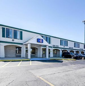 Motel 6 Newark photos Exterior