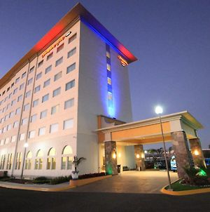 Hampton Inn By Hilton Silao-Aeropuerto photos Exterior