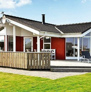 Three-Bedroom Holiday Home In Juelsminde 10 photos Exterior