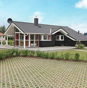 Three-Bedroom Holiday Home In Gromitz 15 photos Exterior