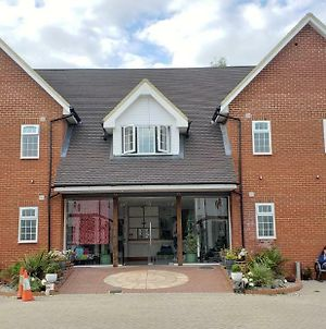 Stansted Airport Lodge photos Exterior
