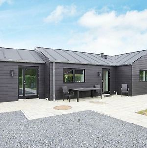 Three-Bedroom Holiday Home In Tarm 12 photos Exterior