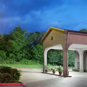 Super 8 By Wyndham Huntsville photos Exterior