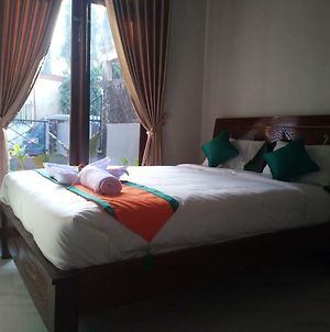 Simply Homy Guest House Purbalingga photos Exterior