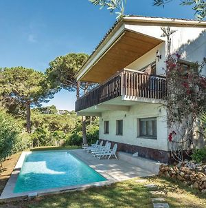 Five-Bedroom Holiday Home In Lloret De Mar photos Exterior