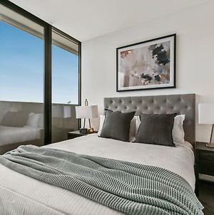 Sweeping Cbd Views - Luxury 2Br 2Ba Apartment With Free Wine, Netflix And Roof Spa! photos Exterior