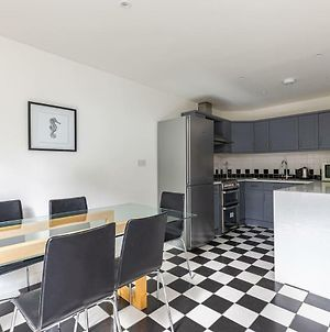 Lovely 3-Bed House In Brixton Near Clapham Common photos Exterior