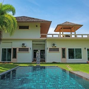 Luxurious Ocean View Villa With Private Pool And Jacuzzi photos Exterior