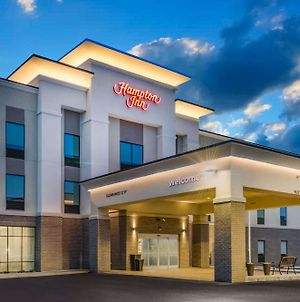 Hampton Inn Newport photos Exterior