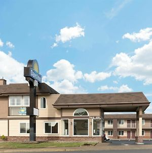 Days Inn By Wyndham Newport Or photos Exterior
