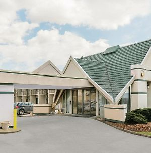 Days Inn By Wyndham Rutland/Killington Area photos Exterior