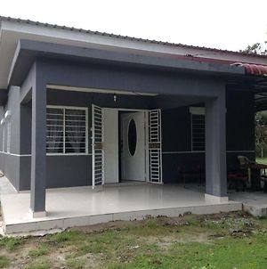 Homestay Paklang, Kg Geylang, Pertang photos Exterior