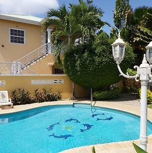 Poolside Apartments Tobago photos Exterior