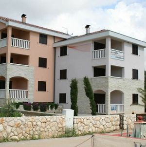 Apartment With 2 Bedrooms In Stara Novalja, With Enclosed Garden - 200 photos Exterior