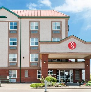 Ramada By Wyndham Sherwood Park photos Exterior