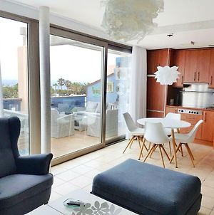Sea View Reformed & Modernised 2 Bedroom Apartment photos Exterior