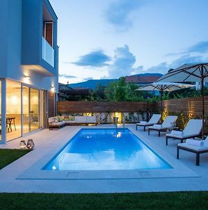 Koras Villa - Villa With Heated Pool photos Exterior