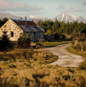 Lusa Bothy photos Exterior