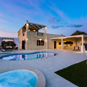 Caramel Villa, Elegant Escape! photos Exterior