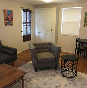Top Belmont Location! 1 Minute From The Restaurants photos Exterior