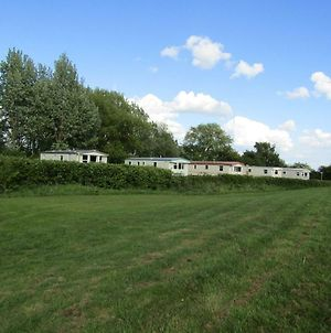 Fenlake Holiday Accommodation photos Exterior