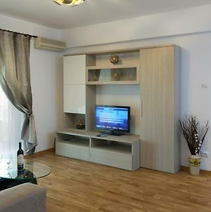Central Luxury Flat With Terrace - Adela Accommodation - Ideal For Long Stays photos Exterior