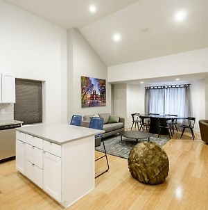 Rai Properties - Contemporary Design 2Bd Top Floor Flat Center City photos Exterior