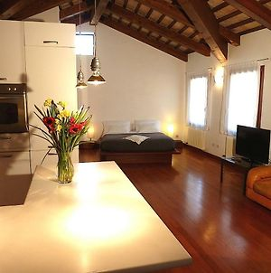 Modern Studio In 15Th Century Building Close To St Mark photos Exterior