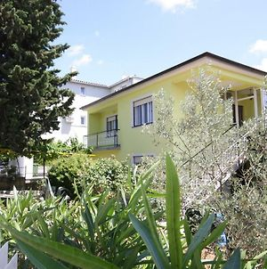 Two Bedroom Apartment In A Nice Neighborhood, Wifi photos Exterior