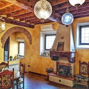 Real Rustic Tuscany Style In Center photos Exterior