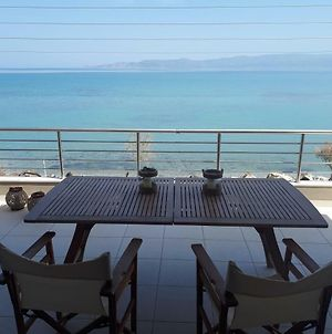 Vrachati Sea Front House photos Exterior