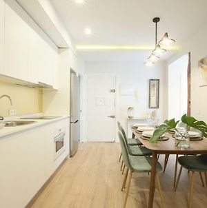 A Brand New Luxury- Muy Central- Ac, Up To 10 photos Exterior