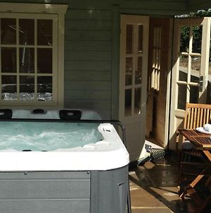 The Snug With Private Hot Tub photos Exterior