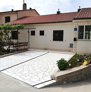 Apartment And Rooms Markovic photos Exterior