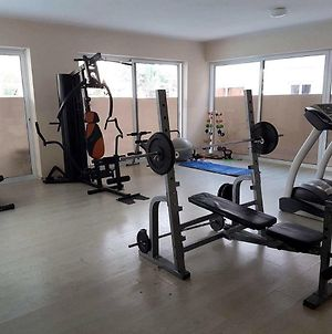 Newly Remodelled Apartment, Pool, Sauna And Gym photos Exterior